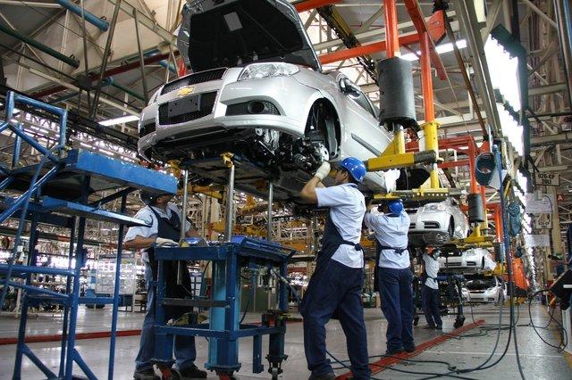 Para el nuevo PBI del INDEC, la economía está en recesión