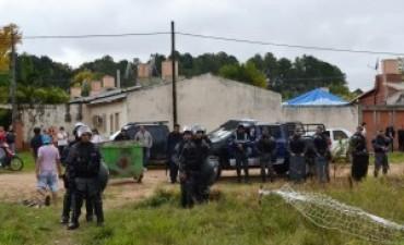 San Roque Este: vecinos y ocupas enfrentados por la energía eléctrica