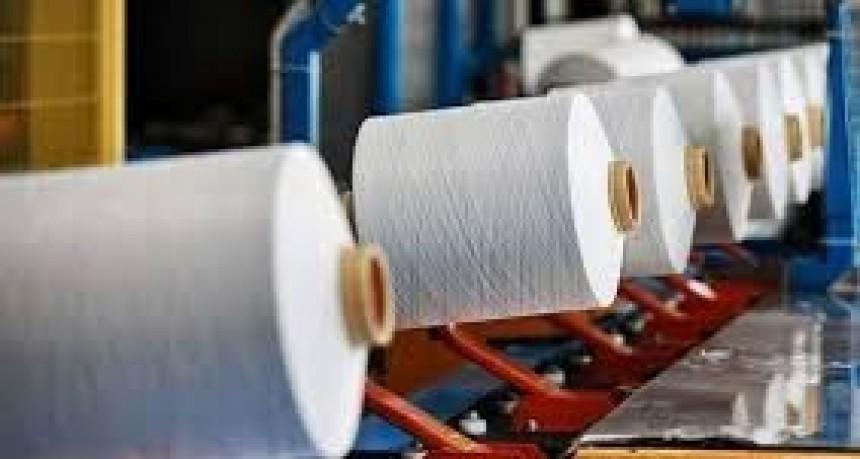En Esquina, textiles cesanteados arman una cooperativa para poder subsistir
