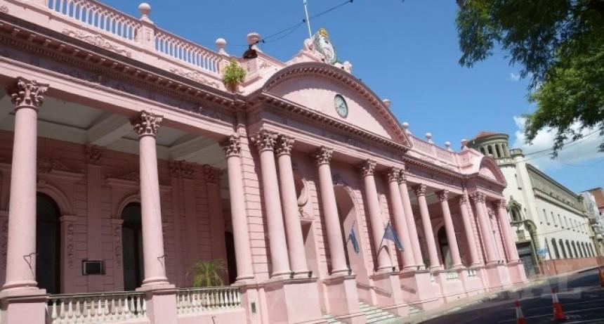 Valdés posterga reunión de gabinete y analiza asistir a la asunción de Iguacel