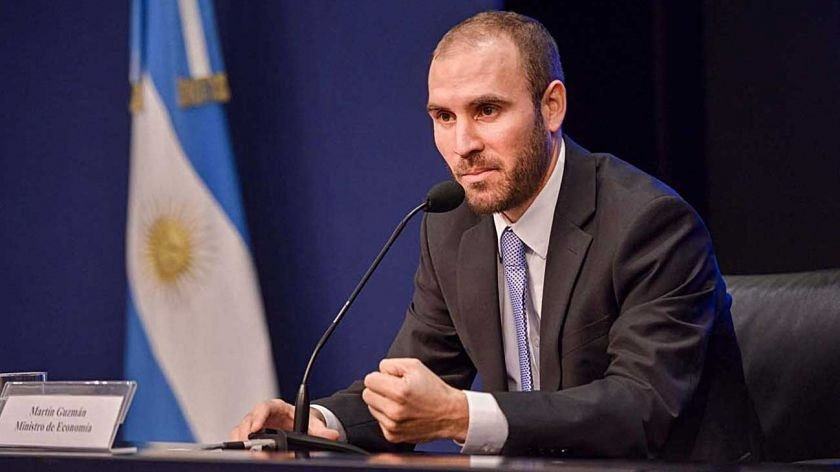 Guzmán cierra la brecha: presentará la oferta a mitad de camino con bonistas