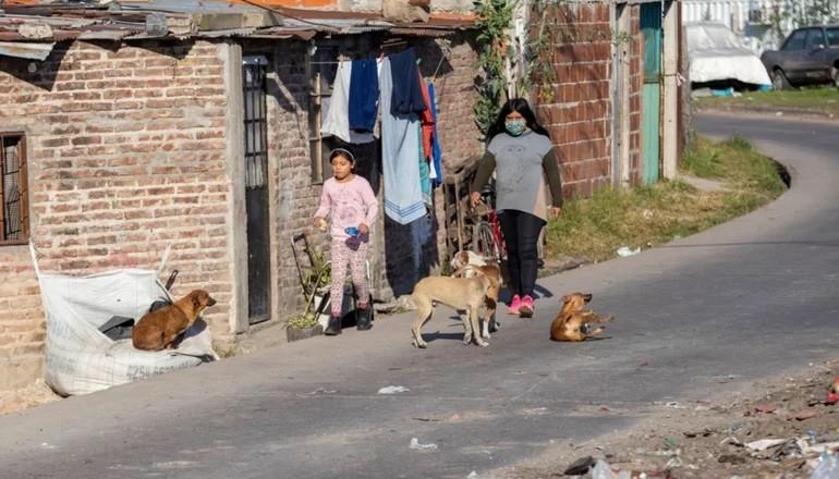 Macri dejó 60% de chicos pobres, según un informe de la UCA