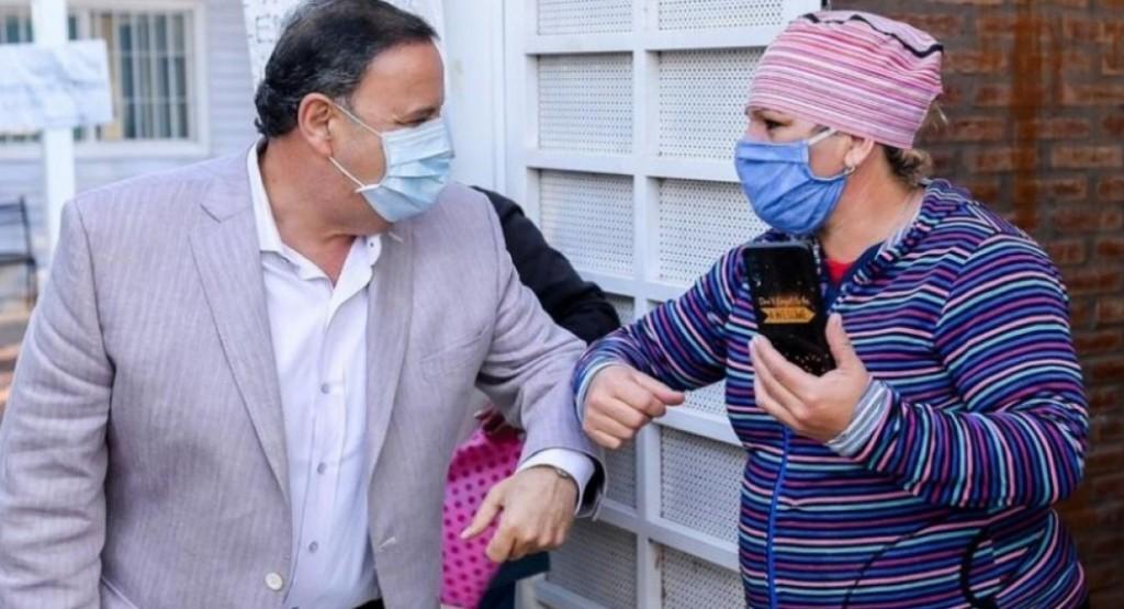 Aislaron al gobernador y lo hisoparon tras un contagio