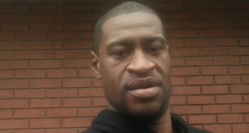 La autopsia que solicitó la familia de Floyd afirma que murió por asfixia