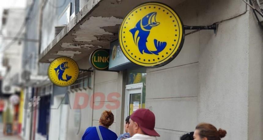 El miércoles 24 comenzaría el pago a estatales provinciales de Corrientes