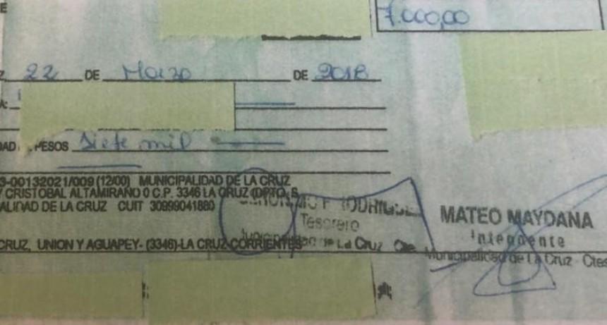 Siguió emitiendo cheques después de culminar su mandato como intendente