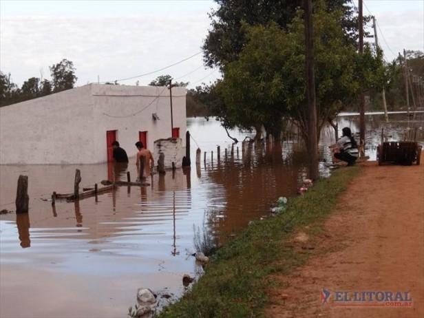 En 24 horas el nivel del río subió más de un metro en Alvear, que suma más evacuados