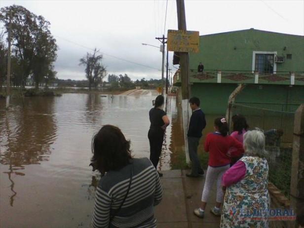 Con el pico de la creciente en su ribera, Libres ya tiene a más de 140 familias evacuadas