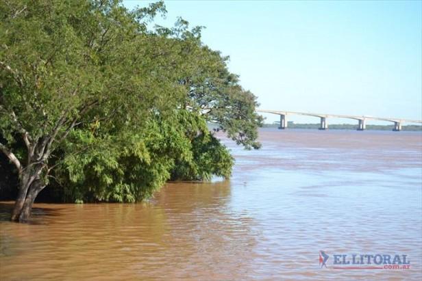 El Paraná marca un sostenido descenso y siguen las asistencias