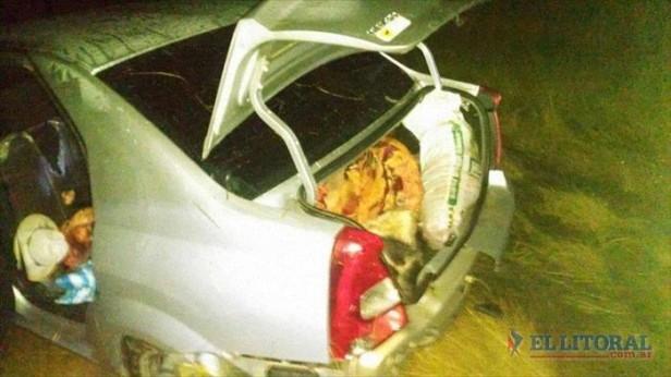 Cuatreros abandonan un auto cargado de carne tras una persecución policial