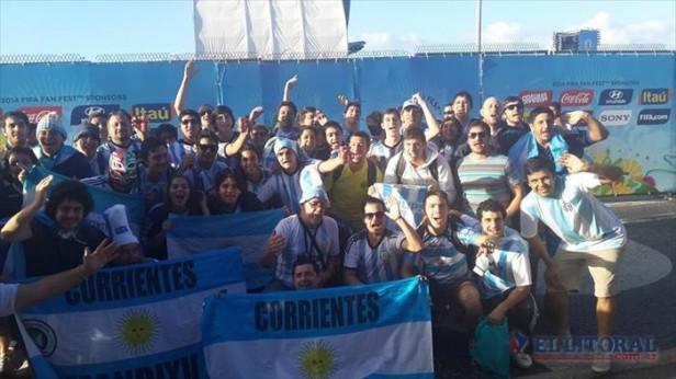 Volvieron los correntinos de Brasil, entre la emoción del Mundial y la bronca por estafas