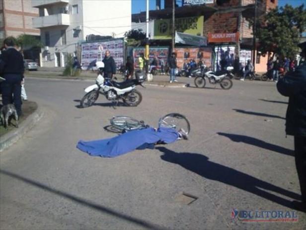 Una ciclista murió al ser arrollada por un camión