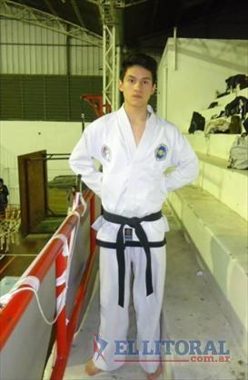 Dos jóvenes correntinos son los campeones mundiales de Taekwondo