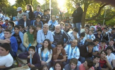 Con un mega operativo, Ríos espera a Colombi para ver la final del Mundial