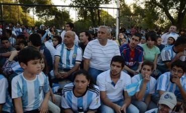 Fin a la euforia mundialista: ¿se diluye la posibilidad de una reunión Colombi-Ríos?