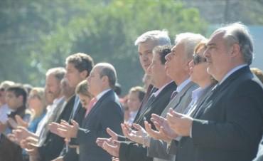 Plegarias a la Virgen de Itatí de un presidenciable k y un crítico al gobierno