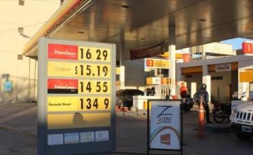 Los combustibles volvieron a aumentar sus precios hasta en 25 centavos por litro