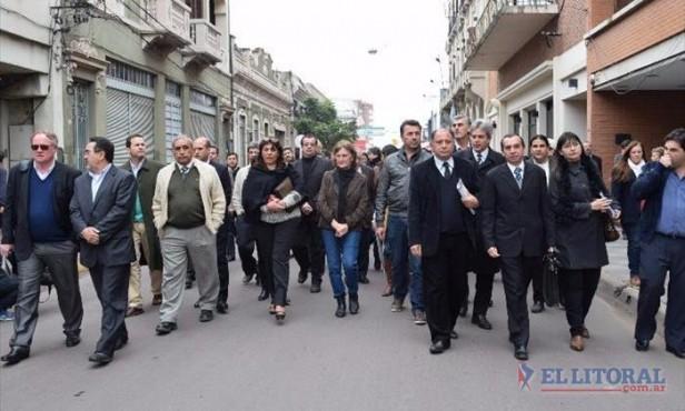 Más de 60 abogados se movilizaron hacia el STJ y entregaron un petitorio