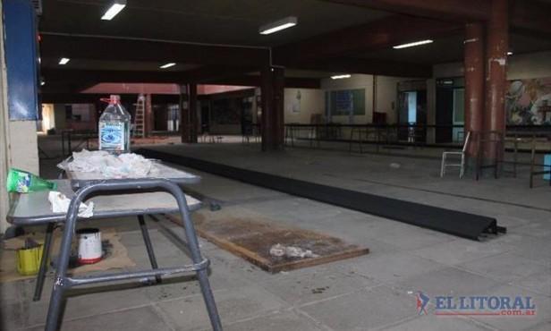 Los alumnos del Liceo Ferré retomarán hoy las clases pero en el polideportivo