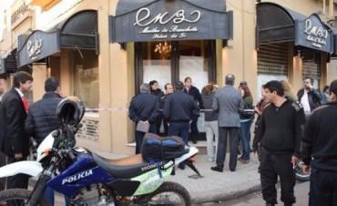 """""""Marcha de las corbatas"""" en repudio al asesinato del abogado Tito González"""