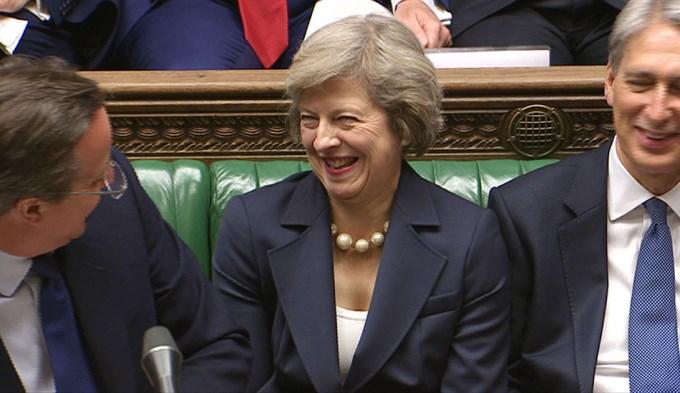 La Reina Isabel nombra a Theresa May como sucesora de David Cameron