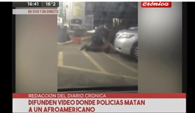 Policías yanquis acribillaron a vendedor callejero negro