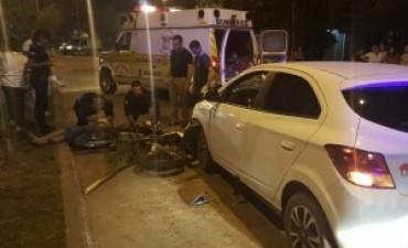 Motociclista que murió al chocar contra un auto no llevaba casco