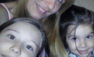 Buscan a una mujer que desapareció con sus hijas