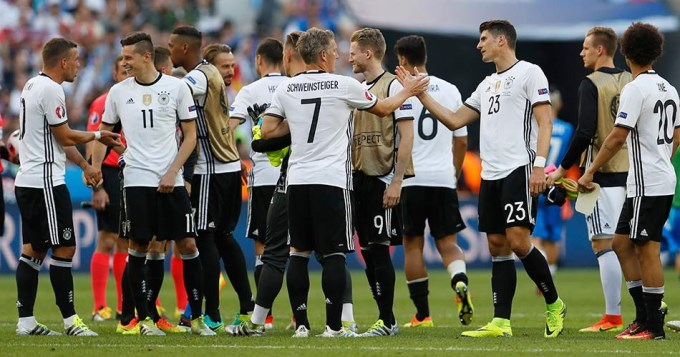 Alemania y Bélgica golearon y están en cuartos