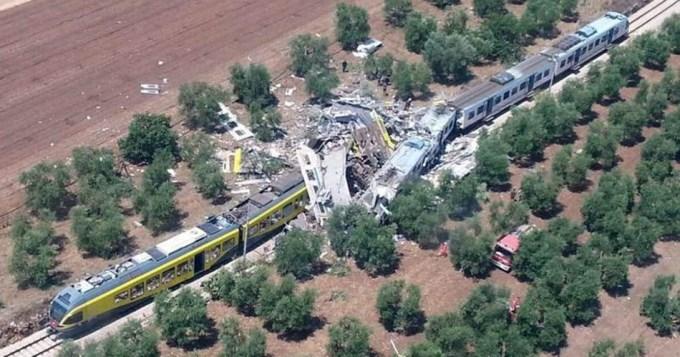 Brutal choque de trenes en Italia: 23 muertos