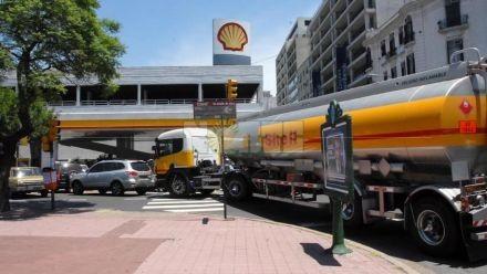 Combustibles: pese a la suba afirman que están un 25% por debajo