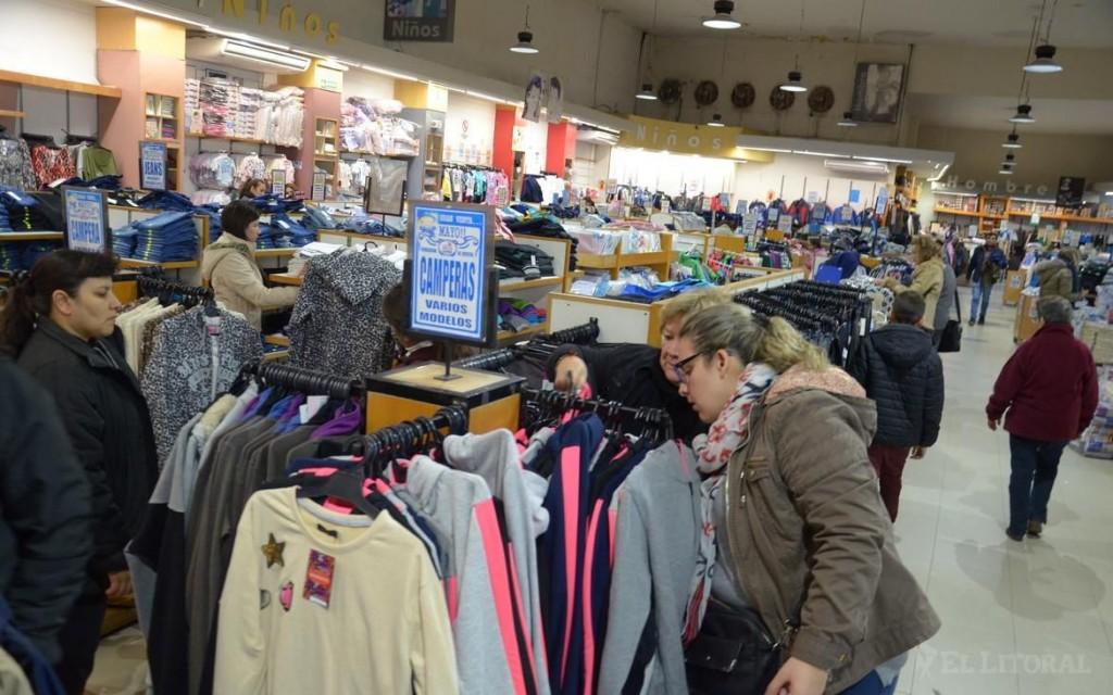 El sector económico estima que persistirá la tendencia de contracción del consumo