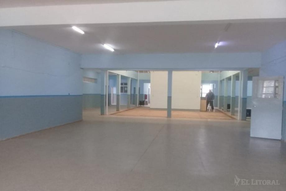 Con aportes comunitarios, ejecutan mejoras edilicias en el Colegio 19 de Abril