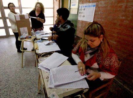 Multan a partidos políticos en la provincia por falta de balances