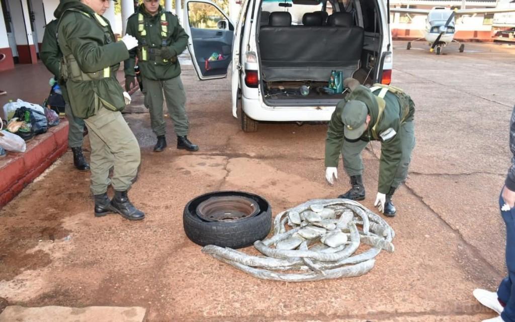 Santo Tomé: detuvieron a dos narcos que trasladaban marihuana oculta en un neumático
