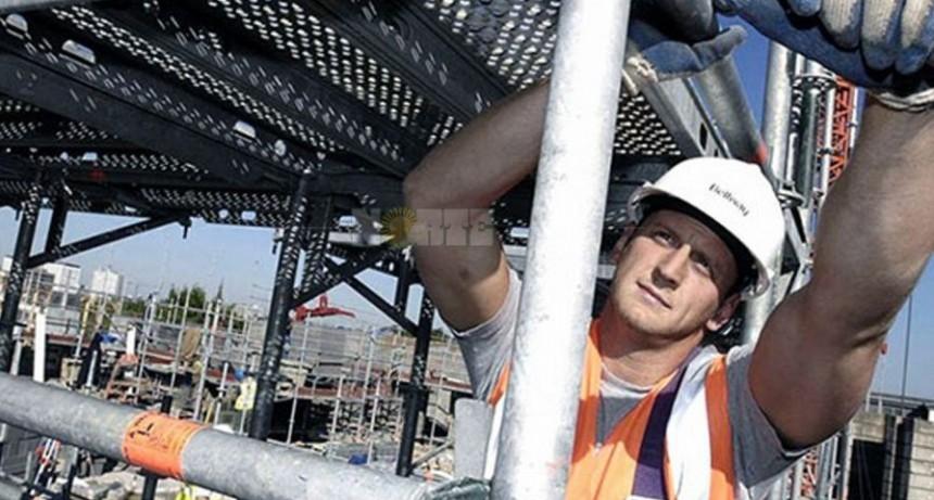 """Advertencia de la UIA: """"El empleo va a seguir cayendo lentamente"""""""