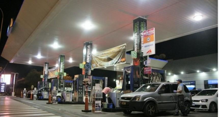 Mientras la nafta subió un 35%, la inflación aumentó en 29% y los salarios sólo el 15 %