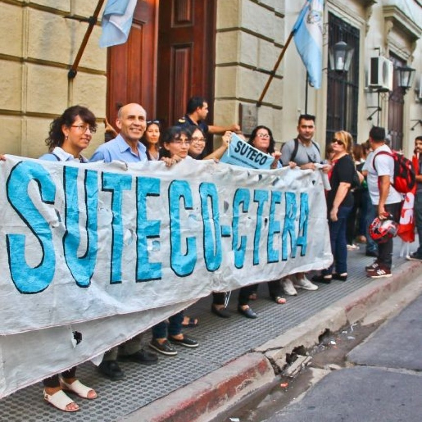 Con diversos reclamos, los sindicatos docentes analizan el retorno a las aulas