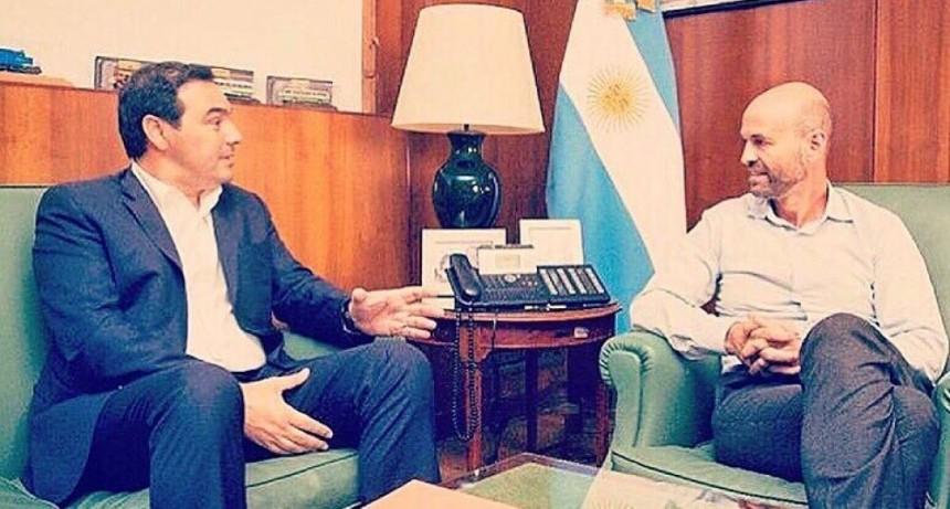 El ministro Dietrich llega a Corrientes para reunirse con Valdés