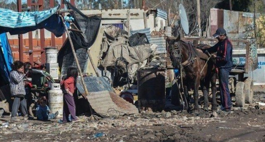 Según la UCA, casi ocho millones de niños padecen la pobreza en el país