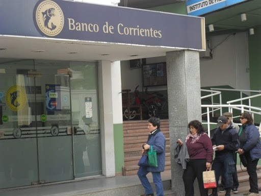 El lunes 27 comenzaría el pago de sueldos de julio a estatales de Corrientes