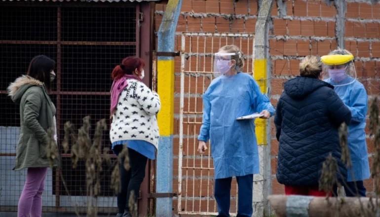 Leve baja: 102 muertes y otros 5.929 contagios en las últimas 24 horas