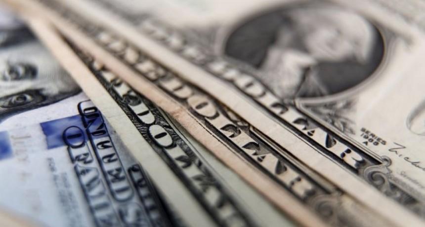Dólar hoy: el blue salta 3% y anota un nuevo récord de $140 para la venta