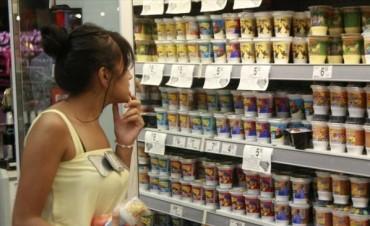 Alimentos, transporte y telefonía, entre lo que más se consume en Corrientes