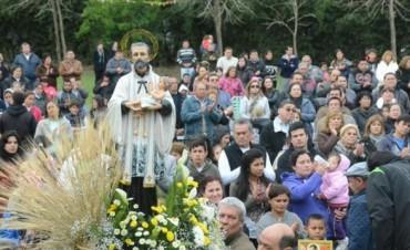 Miles de personas llevaron a San Cayetano sus pedidos por más y mejores fuentes laborales
