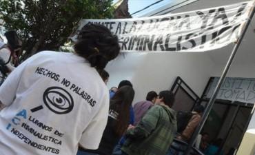 Estudiantes de Criminalística de la Unne realizaron un abrazo simbólico