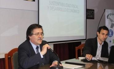 """Vaz Torres: """"El desarrollo se logra con sustentabilidad fiscal y estabilidad institucional"""""""