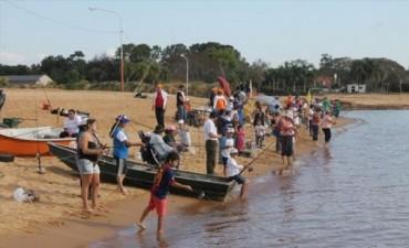 """Tras victoria correntina en la pesca de costa, más de 200 equipos buscarán al """"tigre"""" del Paraná"""