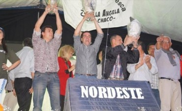 Paso de la Patria despidió a los pescadores con premios y un espectáculo de gran nivel