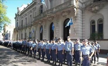 Por decreto 525 policías se sumarán a la fuerza y en diciembre se reciben 100 más